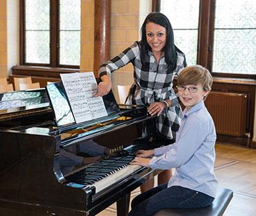 Klavierunterricht samt Noten lesen