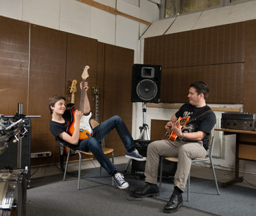 Band rockt in Musikschule